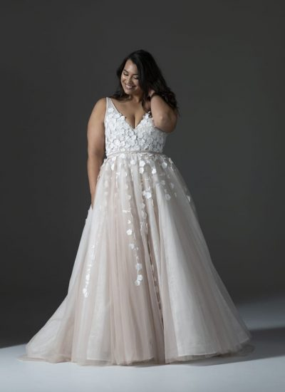 Hera Cuture plus size wedding dresses Adelaide Lavant gown